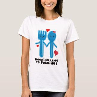 SPOONING FÜHRT ZU DAS GABELN T-Shirt