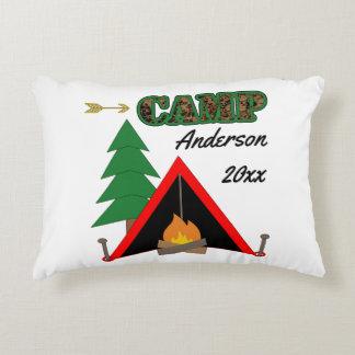 Sportlicher Campings-Lagerfeuer-Zelt-Name Zierkissen