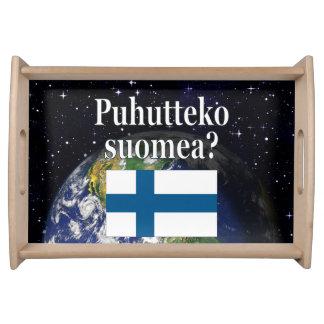 Sprechen Sie finnisches? auf finnisch. Flagge u. Serviertablett