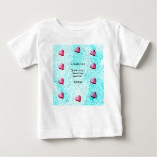 """""""Sprechen Sie laut. Befürchten Sie nie Ablehnung."""" Baby T-shirt"""