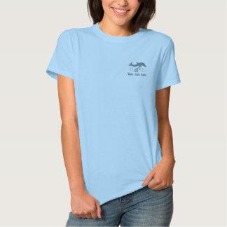Springen des Delphins Besticktes T-Shirt