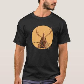 Springen Sie die Gitter! (der Rotwild-Hahn) T-Shirt