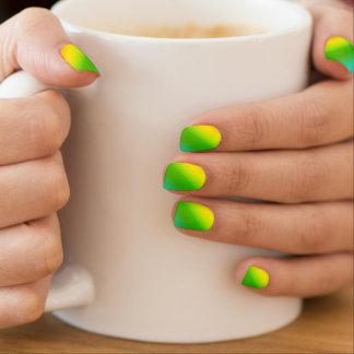 Sprudelnder Regenbogen Minx Nagelkunst