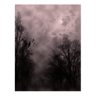 Spuk blutroter Himmel Halloweens mit Raben Postkarte