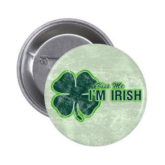 St Patrick ` küssen mich' KleeblattGrunge Buttons
