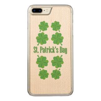 St Patrick Tag mit Klee Carved iPhone 8 Plus/7 Plus Hülle