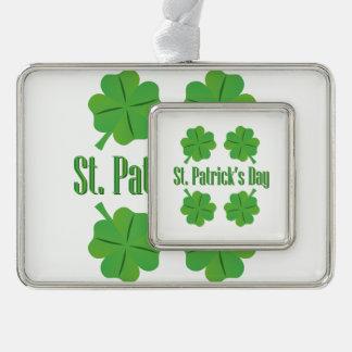St Patrick Tag mit Klee Rahmen-Ornament Silber