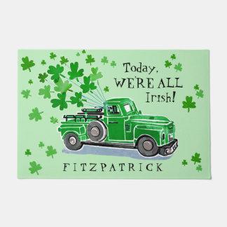 St Patrick Tagesgrün-Vintager LKW addieren Namen Türmatte