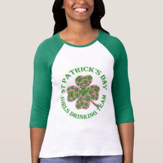 St Patrick Tagesmädchen, die Team trinken T-Shirt