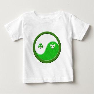 St Patrick trifft Taoismus Baby T-shirt