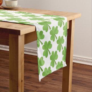 St- PatrickKleeblatt-Klee-grünes Muster Irland Kurzer Tischläufer