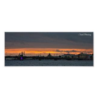 St- PetersburgSkyline am Sonnenuntergang Fotodruck