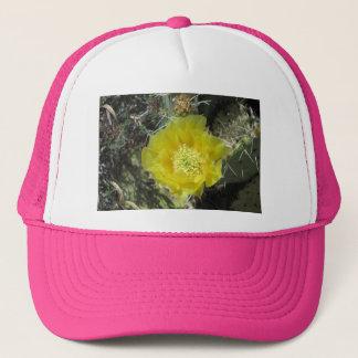 Stachelige Birnen-Gelb-Blüte nah Truckerkappe