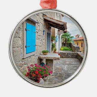 Stadt der alten cobbled Straßenansicht des Summens Silbernes Ornament