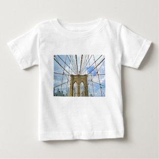 Stadt-Gebäude-Struktur Brücken-New York Brooklyn Baby T-shirt