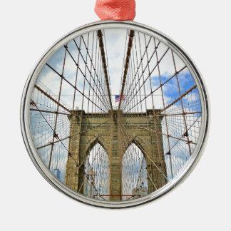 Stadt-Gebäude-Struktur Brücken-New York Brooklyn Silbernes Ornament