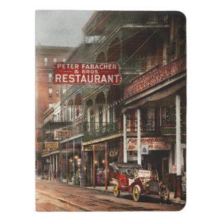 Stadt - New Orleans - ein Blick auf St- Extra Großes Moleskine Notizbuch