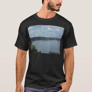 Stadt von Dubuque Iowa auf dem Fluss Mississipi T-Shirt