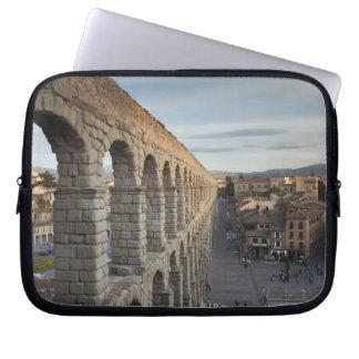 Stadtansicht über Piazza Azoguejo u. EL Acueducto Laptopschutzhülle