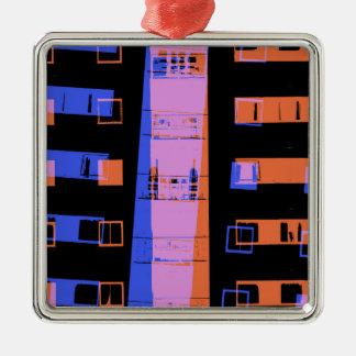 Stadtwohnungs-Gebäude nachts Quadratisches Silberfarbenes Ornament