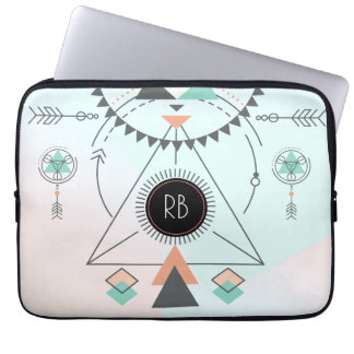 Stammes- bunter geometrischer Totem-Entwurf Laptop Schutzhüllen