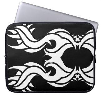 Stammes laptop sleeve 1 whites black zu over