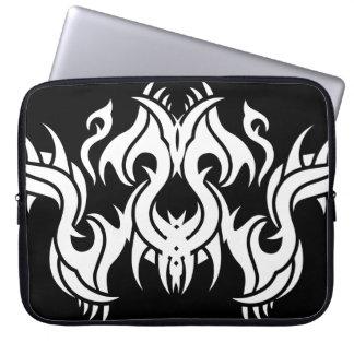 Stammes laptop sleeve 7 whit black zu over