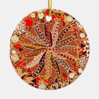 Stammes- Mandala-Druck, Brown, Beige und Rot Keramik Ornament