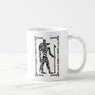 Stammes- Tätowierung Anubis Kaffeetasse