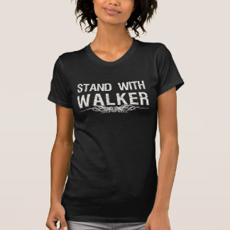 Stand mit dem Wanderer von Wisconsin politisch T-Shirt