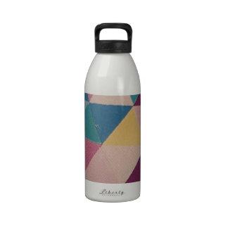 standard der Dreiecke Wiederverwendbare Wasserflasche