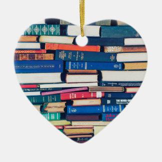 Stapel Bücher Keramik Herz-Ornament