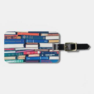Stapel Bücher Kofferanhänger