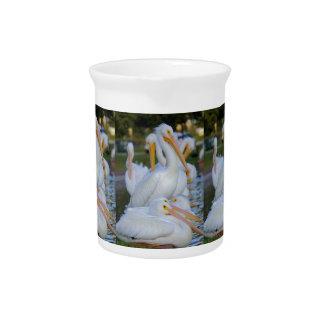 Stapel der Pelikane Krug