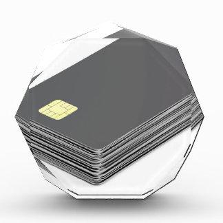 Stapel mit leeren Plastikkarten mit Chip Auszeichnung