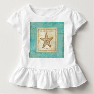 Starfish auf aquamarinem Holz Kleinkind T-shirt