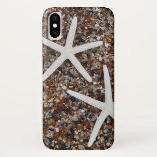 Starfishskelette auf Glasstrand iPhone X Hülle