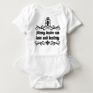 Starker Wunsch kann Liebe und mittelalterliches Baby Strampler