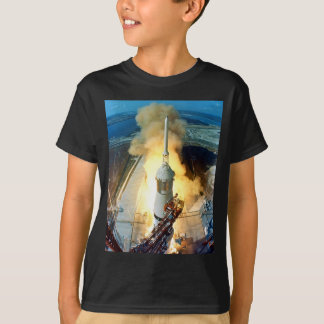Start des Raumfahrzeugs Apollo 11 Saturn V T-Shirt