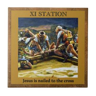 Stationen des Kreuzes #11 von 15 Jesus genagelt Fliese