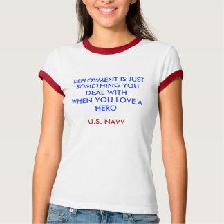 STATIONIERUNG IST JUSTSOMETHING, DAS SIE WITHWHEN T-Shirt