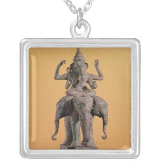 Statue des hindischen Gottes Ganesh Versilberte Kette