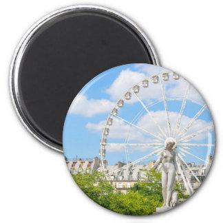 Statue, die Frau in Paris darstellt Runder Magnet 5,1 Cm