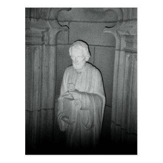 Statue in einem gefundenen Foto Postkarte