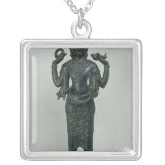 Statue von Vishnu in seiner dreifachen Form von Versilberte Kette