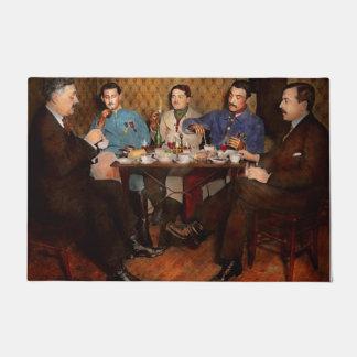 Steampunk - bionische drei Tee 1917 trinkend Türmatte