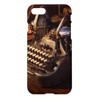Steampunk - Oliver Schreibmaschine iPhone 8/7 Hülle