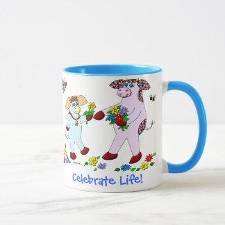 """Stechpalmen-Kuh und Schönheit """"feiern das Leben! """" Tasse"""