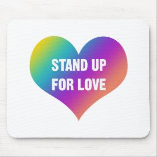 Stehen Sie oben für Liebe (Regenbogen-Herz) Mauspads