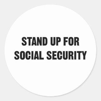Stehen Sie oben für Sozialversicherung Runder Aufkleber